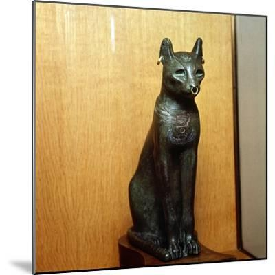 Egyptian Bronze Cat, Sacred to the Goddess Bastet, Roman Period. c664BC-332 BC-Unknown-Mounted Giclee Print