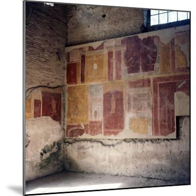 Wall paintings in house in Ostia, 2nd-3rd century-Unknown-Mounted Giclee Print