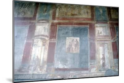 Wall painting from Pompeii, c1st century-Unknown-Mounted Giclee Print