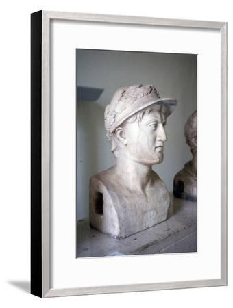 Marble bust of Greek general and statesman Pyrrhus of Epirus, c319BC-272 BC-Unknown-Framed Giclee Print