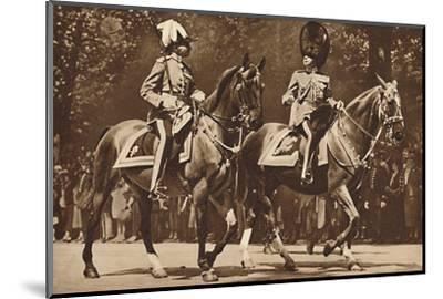 King Edward at the head of the Brigade of Guards, turns, unperturbed-Unknown-Mounted Photographic Print