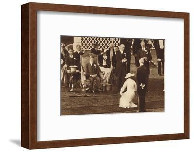 'Curtsy To Her King', 1937-Unknown-Framed Photographic Print
