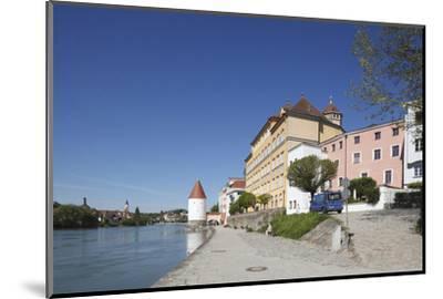 Inn (river) with Schaiblingsturm, Old Town, Passau, Lower Bavaria, Bavaria, Germany, Europe,-Torsten Krüger-Mounted Photographic Print