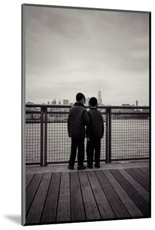 Young orthodox Jews, boys in front of New York Skyline, Williamsburg, Brooklyn, New York, USA-Andrea Lang-Mounted Photographic Print
