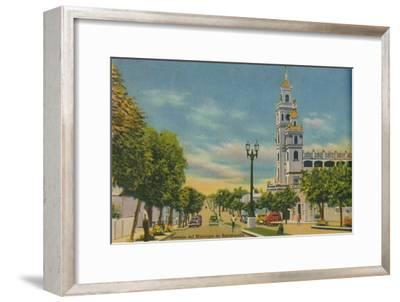 'Olaya Herrera Avenue, Barranquilla', c1940s-Unknown-Framed Giclee Print