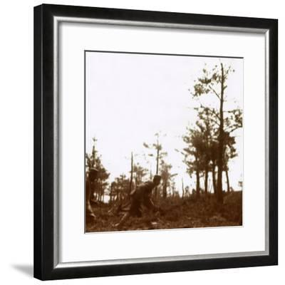 Soldiers running on the battlefield, c1914-c1918-Unknown-Framed Photographic Print