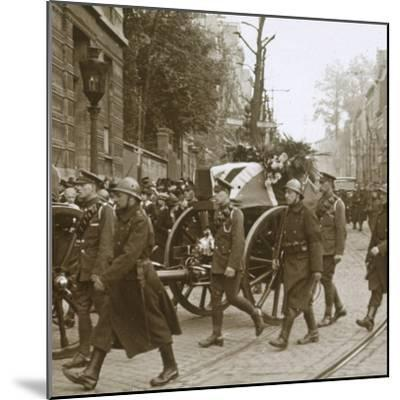 Burial of Edith Cavell, Brussels, Belgium, 1915-Unknown-Mounted Photographic Print