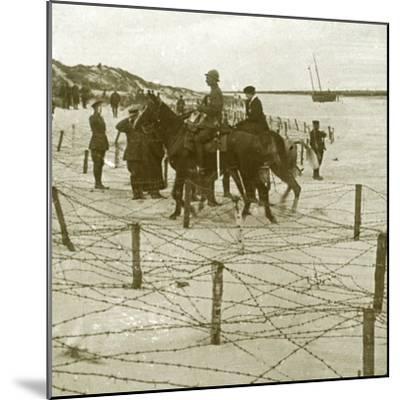 Arriving at La Panne, Flanders, Belgium, c1914-c1918-Unknown-Mounted Photographic Print