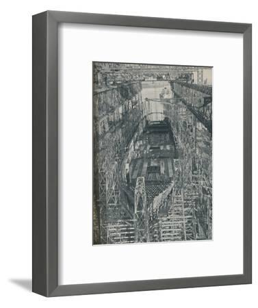 'A Nest of Steel. Cunard White Star liner Georgic in construction, 1927-1929, (1936)-Unknown-Framed Photographic Print