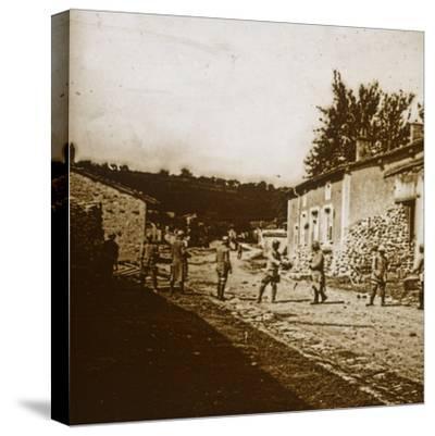Building defences, c1914-c1918-Unknown-Stretched Canvas Print