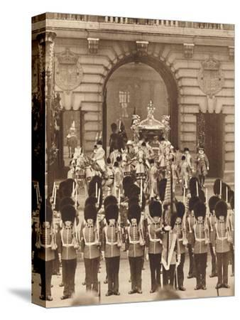 'The King and Queen Leave the Palace for their Coronation', 1937-Unknown-Stretched Canvas Print