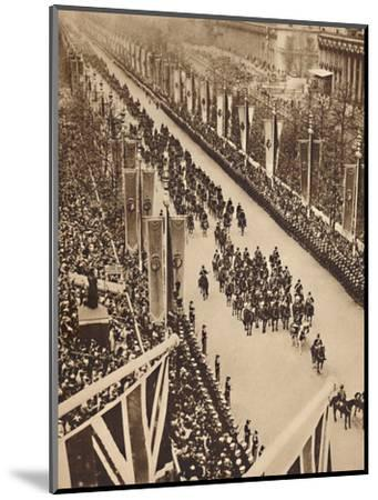 'Swinging Down the Mall', May 12 1937-Unknown-Mounted Photographic Print