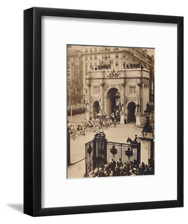 'Through the Sovereign's Gate, Marble Arch', May 12 1937-Unknown-Framed Photographic Print