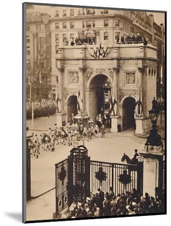 'Through the Sovereign's Gate, Marble Arch', May 12 1937-Unknown-Mounted Photographic Print