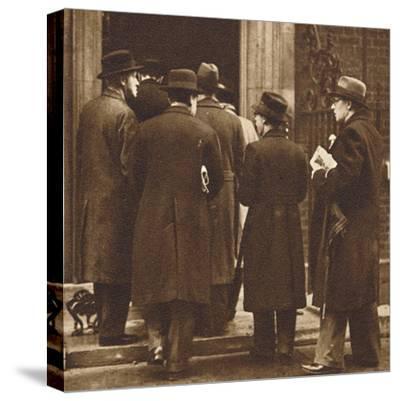 'Newspaper men at No. 10', Dec 1936 (1937)-Unknown-Stretched Canvas Print