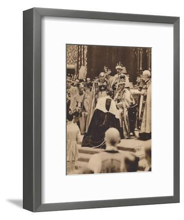 'Swearing Fealty', May 12 1937-Unknown-Framed Photographic Print