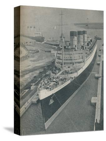 'Arrival of RMS Cunard White Star liner Queen Mary in King George V Graving Dock', 1936-Unknown-Stretched Canvas Print