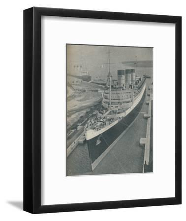 'Arrival of RMS Cunard White Star liner Queen Mary in King George V Graving Dock', 1936-Unknown-Framed Photographic Print
