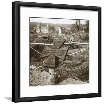 German common grave, c1914-c1918-Unknown-Framed Photographic Print