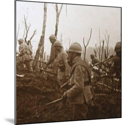 Soldiers advancing, c1914-c1918-Unknown-Mounted Photographic Print