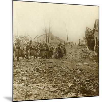 Relief infantry at the attack of Douaumont, northern France, 1916-Unknown-Mounted Photographic Print