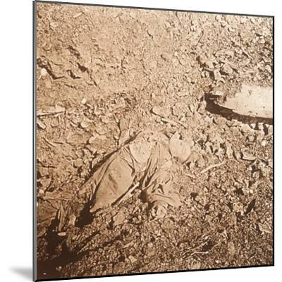 Body of dead soldier, Verdun, northern France, c1914-c1918-Unknown-Mounted Photographic Print