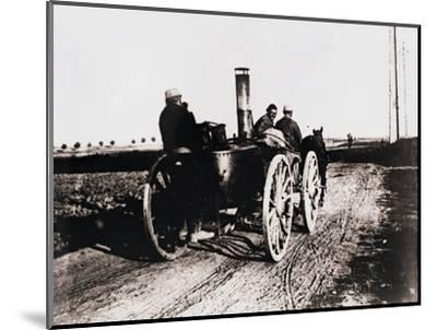 Mobile kitchen going up the line, c1914-c1918-Unknown-Mounted Photographic Print