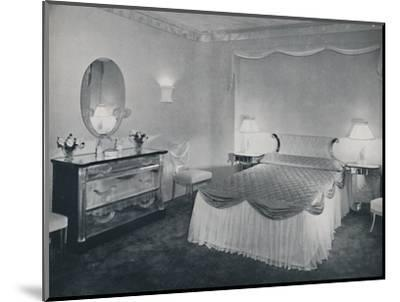 'The vibrant qualities of 'Plexiglas' are used to advantage in this bedroom', 1942-Unknown-Mounted Photographic Print