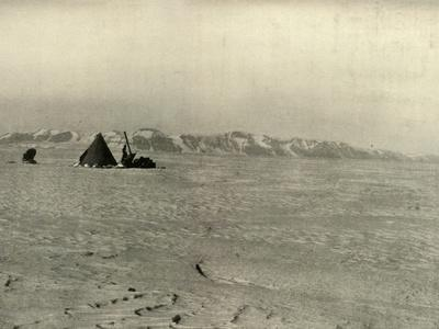 'The Queen Alexandra Range Photographed on the way down the Glacier', c1908, (1909)-Unknown-Framed Photographic Print
