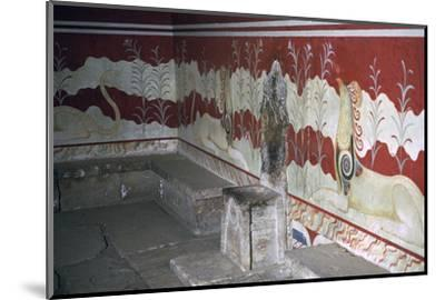 The throne room of the Minoan royal palace at Knossos, c.21st -14th century BC-Unknown-Mounted Photographic Print