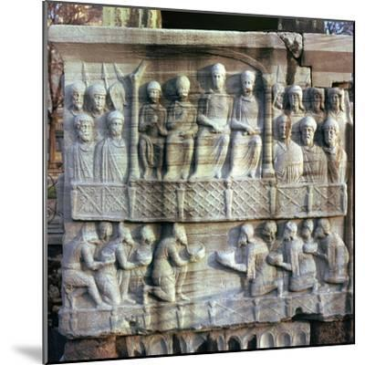 Base of an obelisk in Istanbul, 4th century-Unknown-Mounted Giclee Print