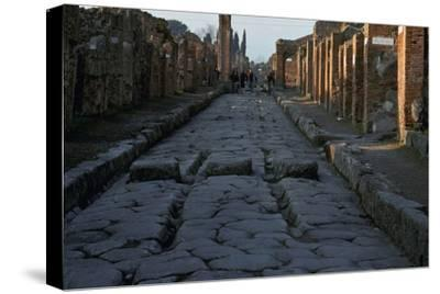 Street in the Roman town of Pompeii, 1st century-Unknown-Stretched Canvas Print