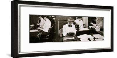 Women working in a typing pool, 1900-Unknown-Framed Photographic Print