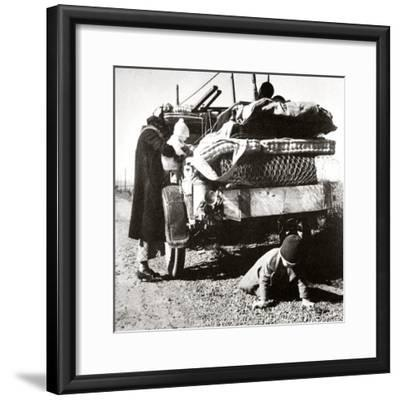Example of the way that 'Okies' travelled west, 1937-Unknown-Framed Photographic Print