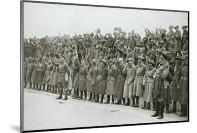 Australians cheer King George V, France, World War I, 1916-Unknown-Mounted Photographic Print