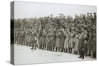 Australians cheer King George V, France, World War I, 1916-Unknown-Stretched Canvas Print