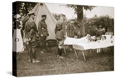 King George V conversing with wounded officers, France, World War I, 1916-Unknown-Stretched Canvas Print