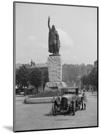 Bentley EXP3 in front of the statue of King Alfred, High Street, Winchester, Hampshire, c1920s-Bill Brunell-Mounted Photographic Print