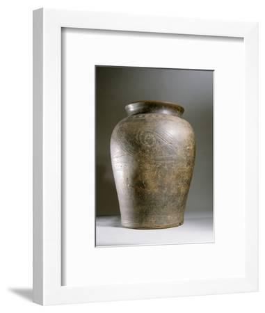 Celtic ceramic cremation urn-Werner Forman-Framed Photographic Print