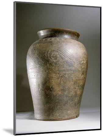 Celtic ceramic cremation urn-Werner Forman-Mounted Photographic Print