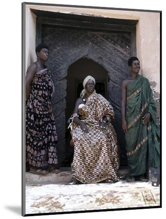 Nana Amonu X, Fante Omanhene of Anomabu, and two members of his court, Ghana, 1977-Werner Forman-Mounted Photographic Print