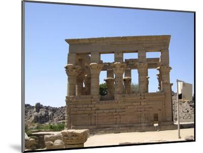 The Kiosk of Trajan, Philae, Egypt-Werner Forman-Mounted Photographic Print