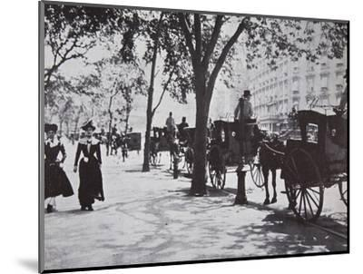 Street scene, New York City, USA, early 1900s-Unknown-Mounted Photographic Print