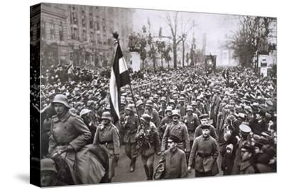 Return of the Guard from the War, Germany, December 1918-Unknown-Stretched Canvas Print