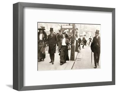 Suffragettes trying to speak to the Prime Minister, London, 1908-Unknown-Framed Photographic Print