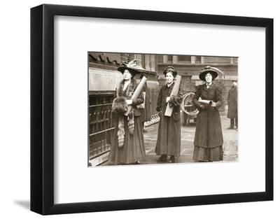 Suffragettes armed with materials to chain themselves to railings, 1909-Unknown-Framed Photographic Print