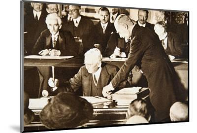 Herbert Hoover, accepting the Republican nomination for the US presidency, 1928-Unknown-Mounted Photographic Print