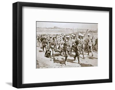 Australian machine-gunners returning from the trenches, France, World War I, 1916-Unknown-Framed Photographic Print