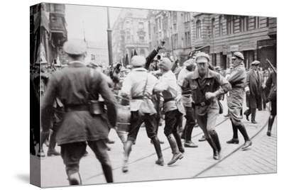 Men in Bolshevik uniform fighting police in the street, Germany, c1918-c1933(?) (1936)-Unknown-Stretched Canvas Print