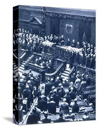 Swearing-in ceremony of President Field Marshal von Hindenburg, Berlin, 12th May, 1925-Unknown-Stretched Canvas Print